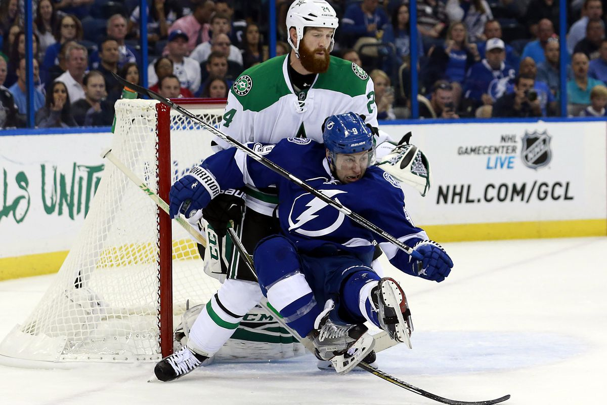 game 5 stars outburst buries bolts raw charge