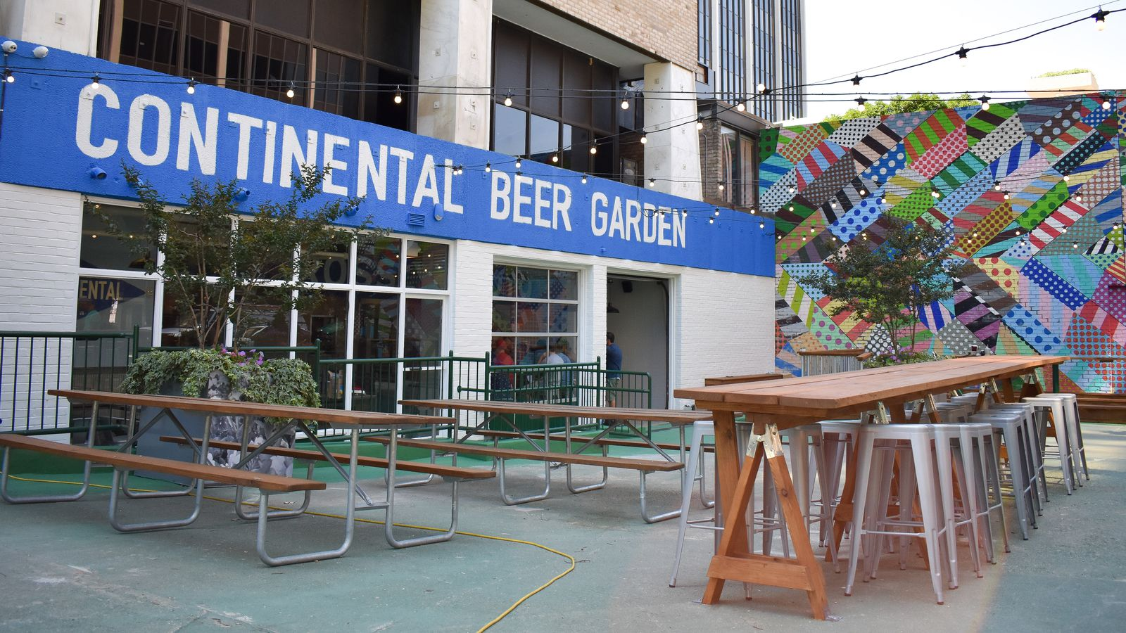 Rosslyn S First Beer Garden Serves Draft Brews Punch
