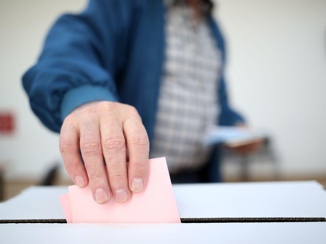 Election Day voter registration poses 'very little risk' for fraud, audit finds