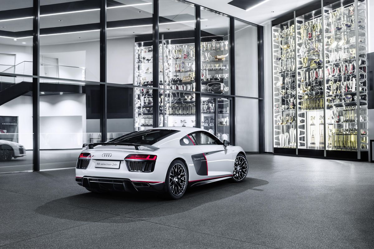 audi r8 v10 plus selection 24h is an awkward name for a gorgeous