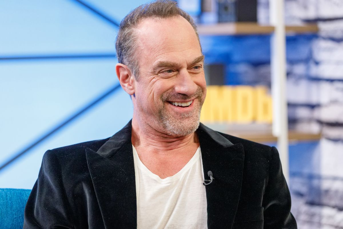 Christopher Meloni To Return In Law Order Svu Spinoff For Nbc