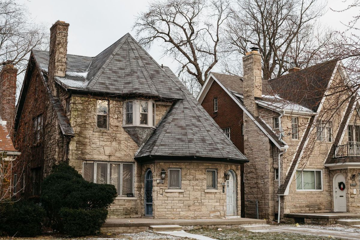 Curbed Cup Final Four: (7) East English Village vs  (14