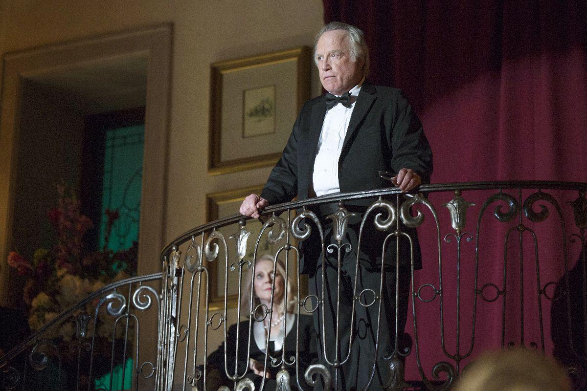 Richard Dreyfuss and Blythe Danner star in Madoff.