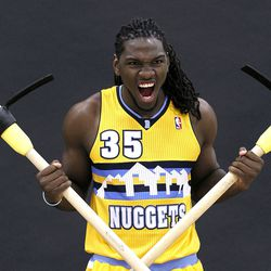 Remind me not to mess with Kenneth Faried