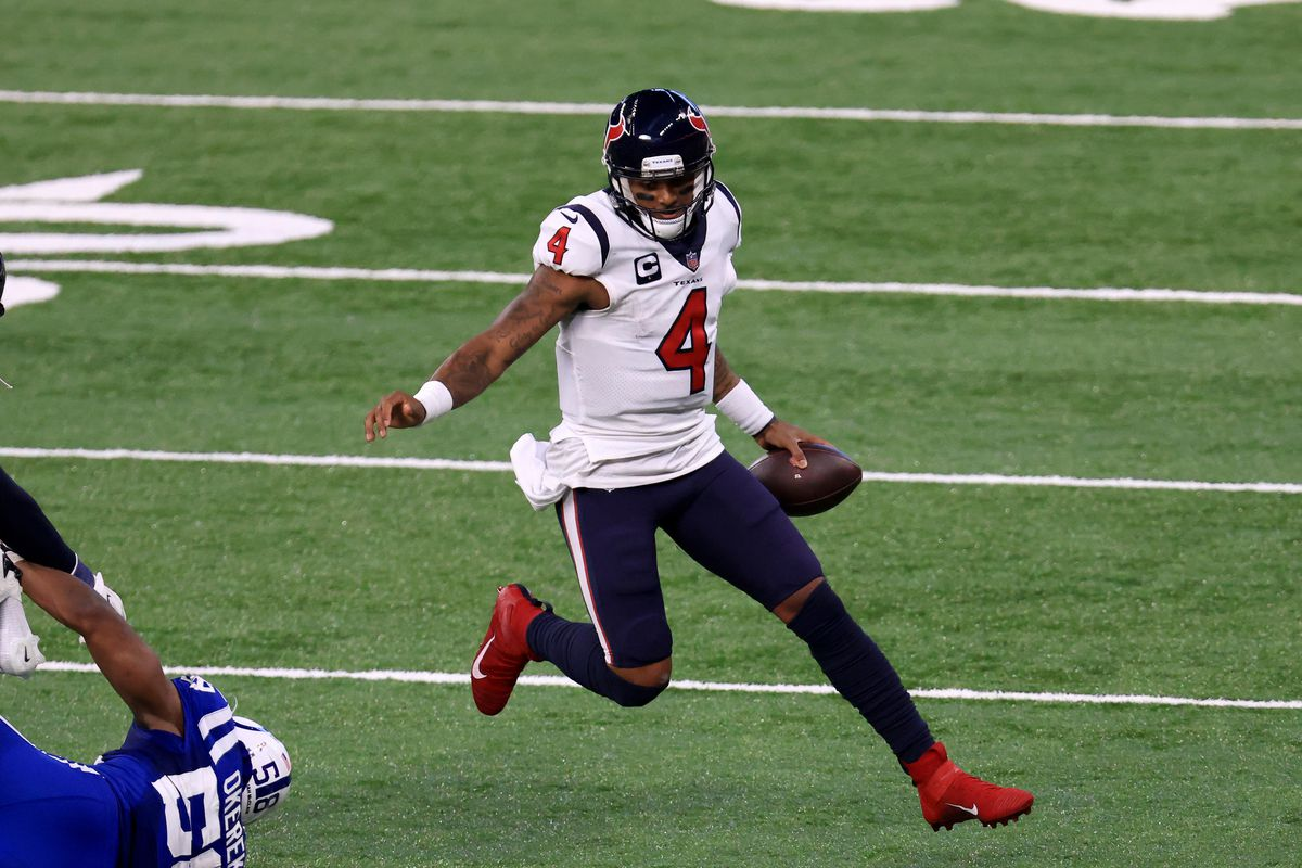 Deshaun Watson #4 of the Houston Texans runs the ball against the Indianapolis Colts during the fourth quarter at Lucas Oil Stadium on December 20, 2020 in Indianapolis, Indiana.