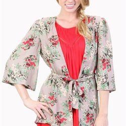 "<b>Tulle</b> Grey Flower Kimono at <b>LIT Boutique</b>, <a href=""http://litboutique.com/p/tulle/Grey-Flower-Kimono?ListID=-4948336860578545407"">$60</a>"
