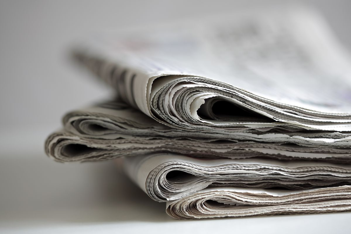 are newspapers dying Local newspapers are dying the numbers of papers being sold is in decline as more people turn to online media however, even here, the journalism is all too often.