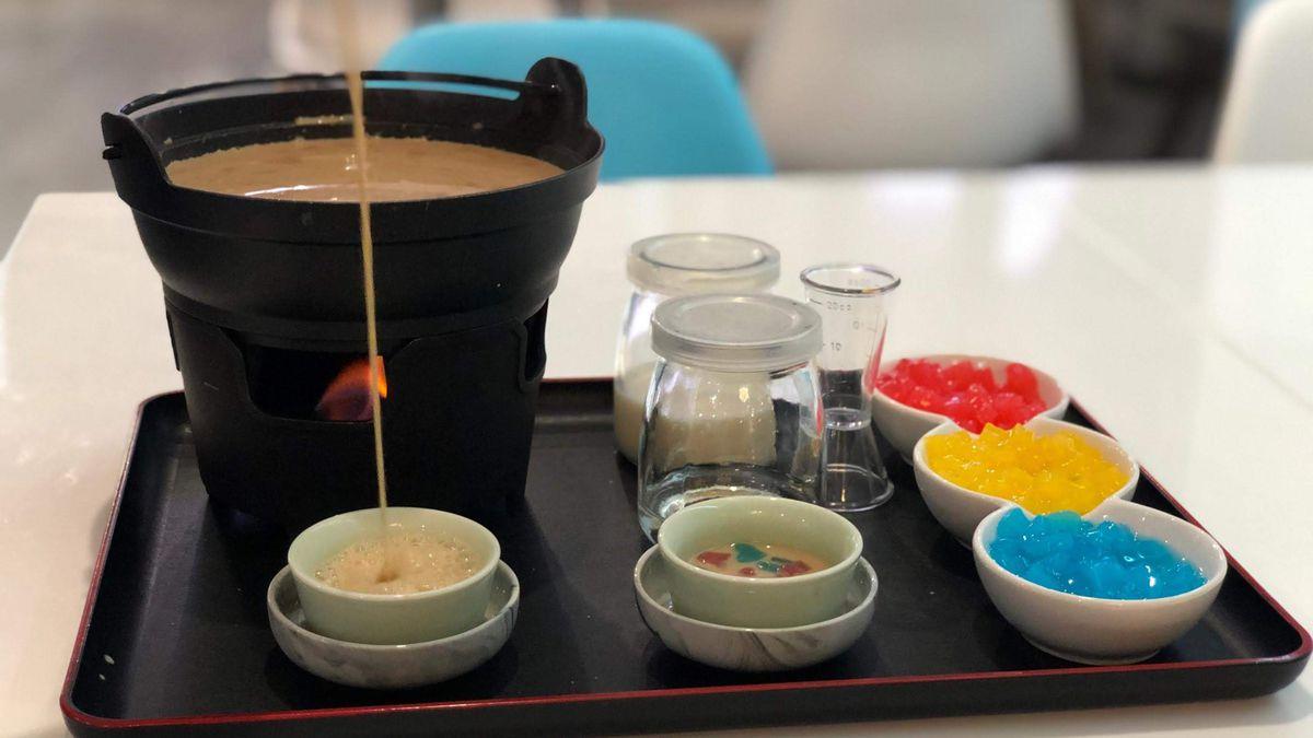 The boba hot pot tray at Milk Tea Lab