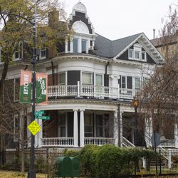 A home in Uptown. | Tyler LaRiviere/Sun-Times