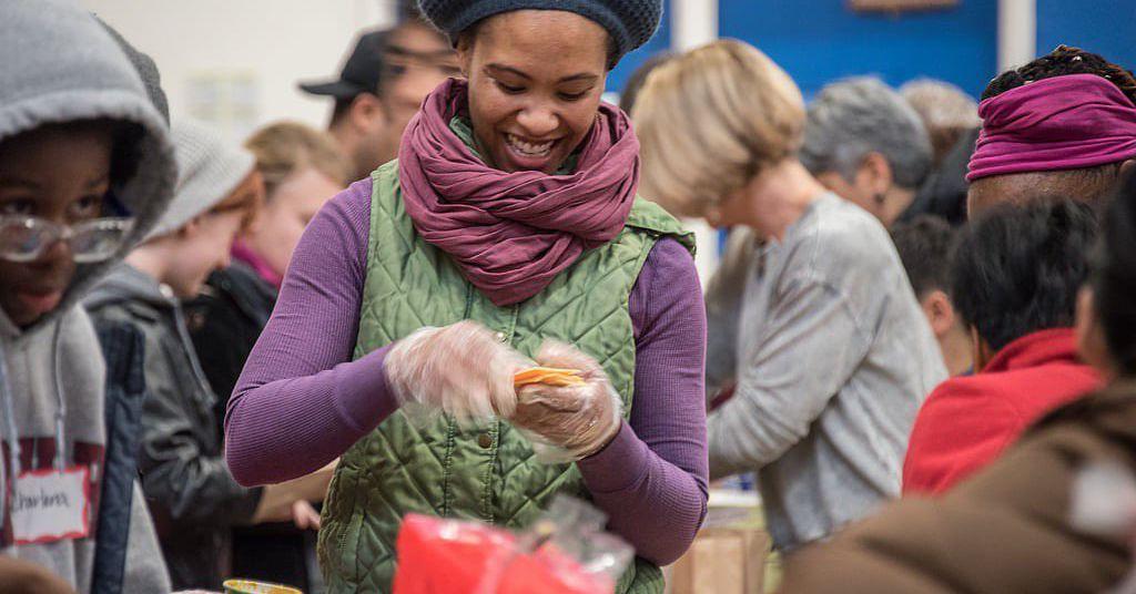 Para este coletivo de Oakland, alimentar pessoas é uma forma de justiça racial 6