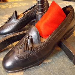 1950s/60s Florsheim Imperial longwing leather loafers ($65, size 8.5).