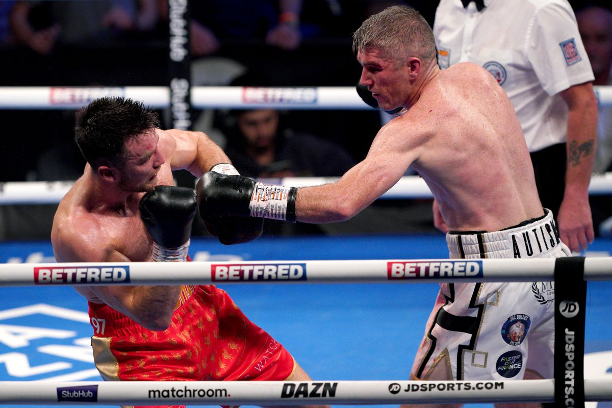 Liam Smith stopped Anthony Fowler in the eighth round in Liverpool