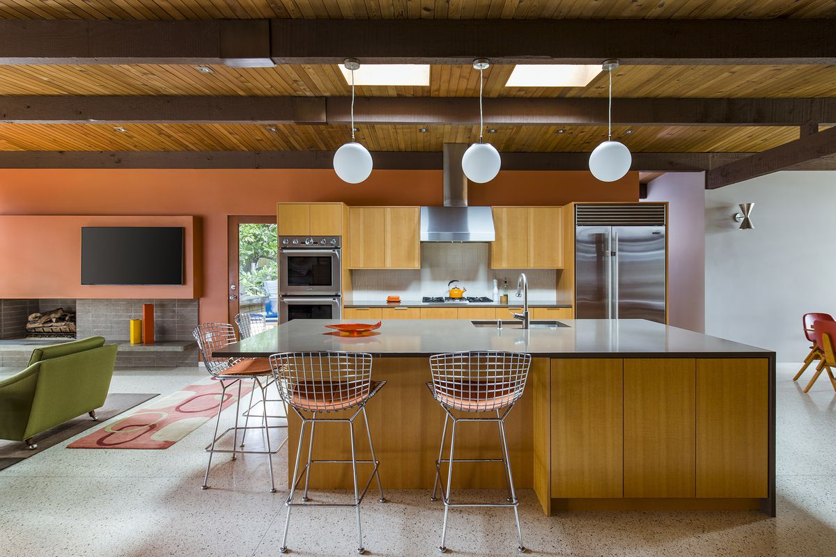 This Groovy Midcentury Home In Portland Oregon Went Through An Architect Led Remodel Photo By David Papazian Curbed Handbook