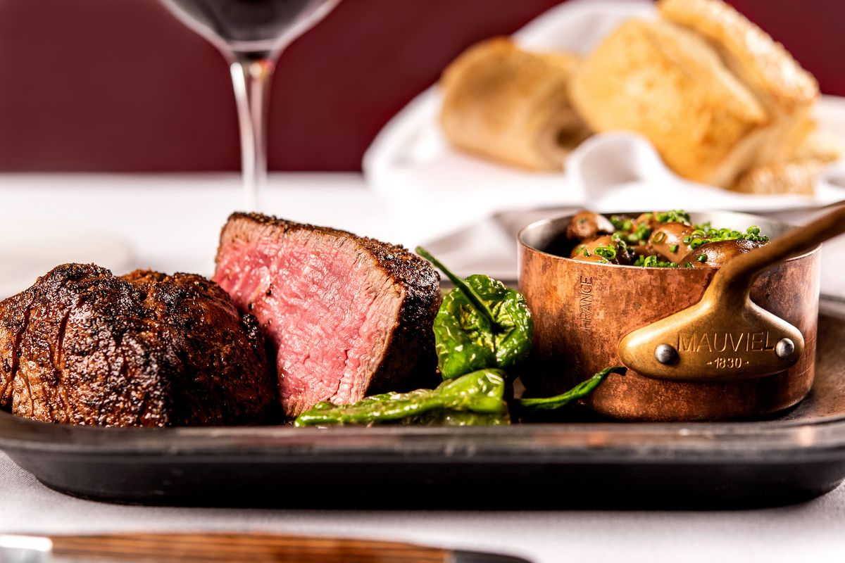One of the oldest Portland steakhouses, Ringside serves everything from behemoth prime rib slabs to elegant grass-finished filet mignon