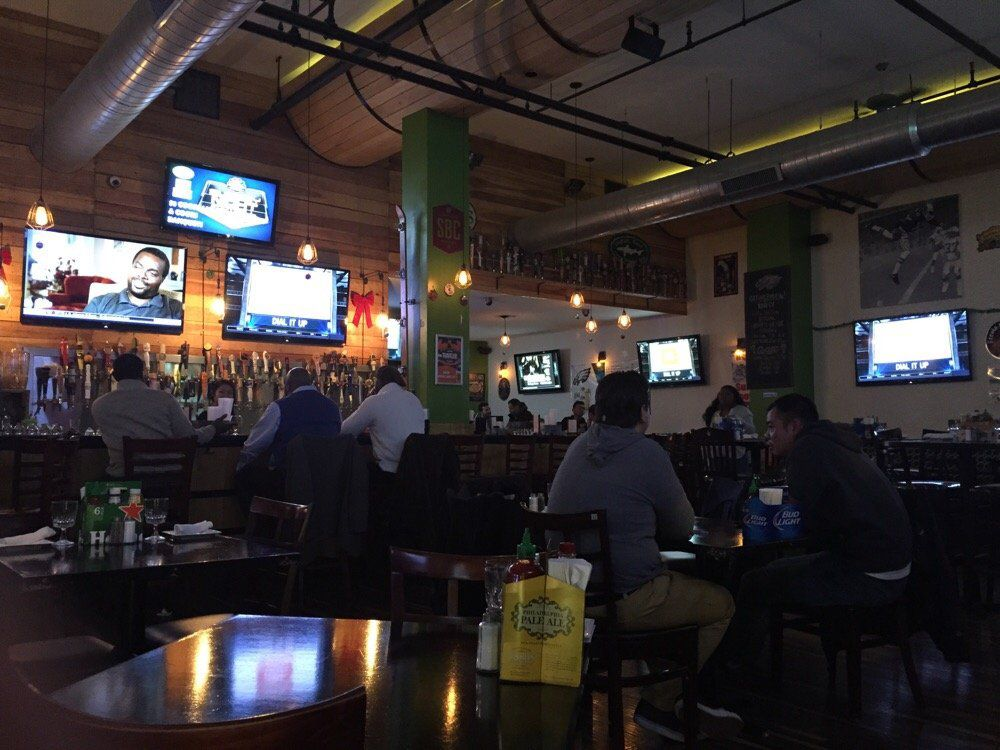 At Laurel Tavern Watching Former Packer >> Where To Watch Super Bowl 51 In Philadelphia Eater Philly