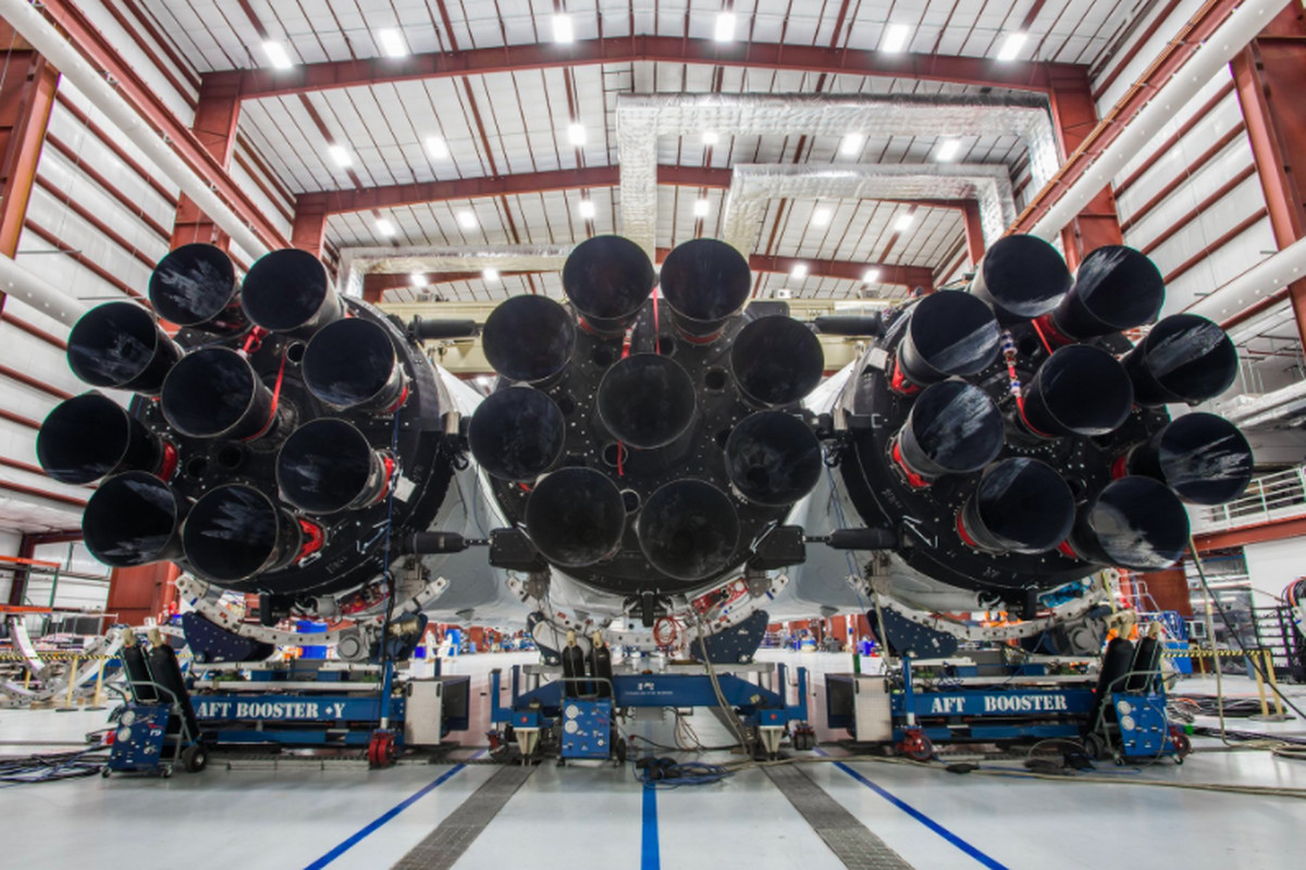 First pictures of Falcon Heavy