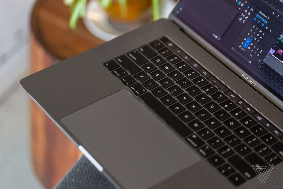 f0901632384 Apple apologizes for continued reliability problems with its MacBook  keyboards