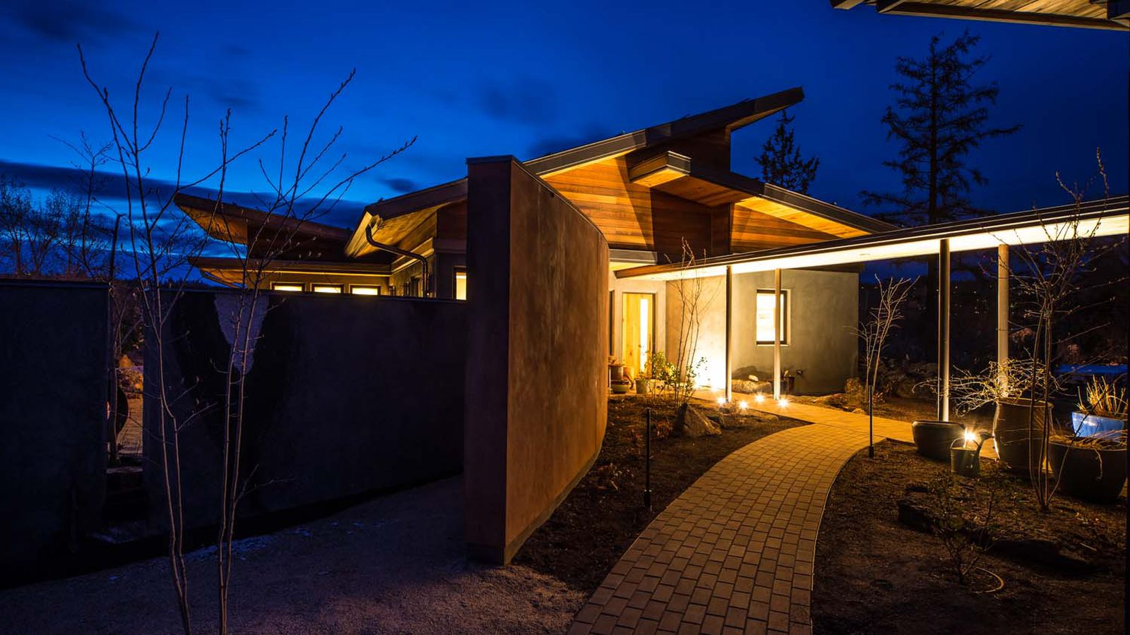 Tour the world s greenest home in bend oregon curbed for Building a house in oregon