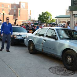 6:35 p.m. Limo at the back of the Blackhawks motorcade -