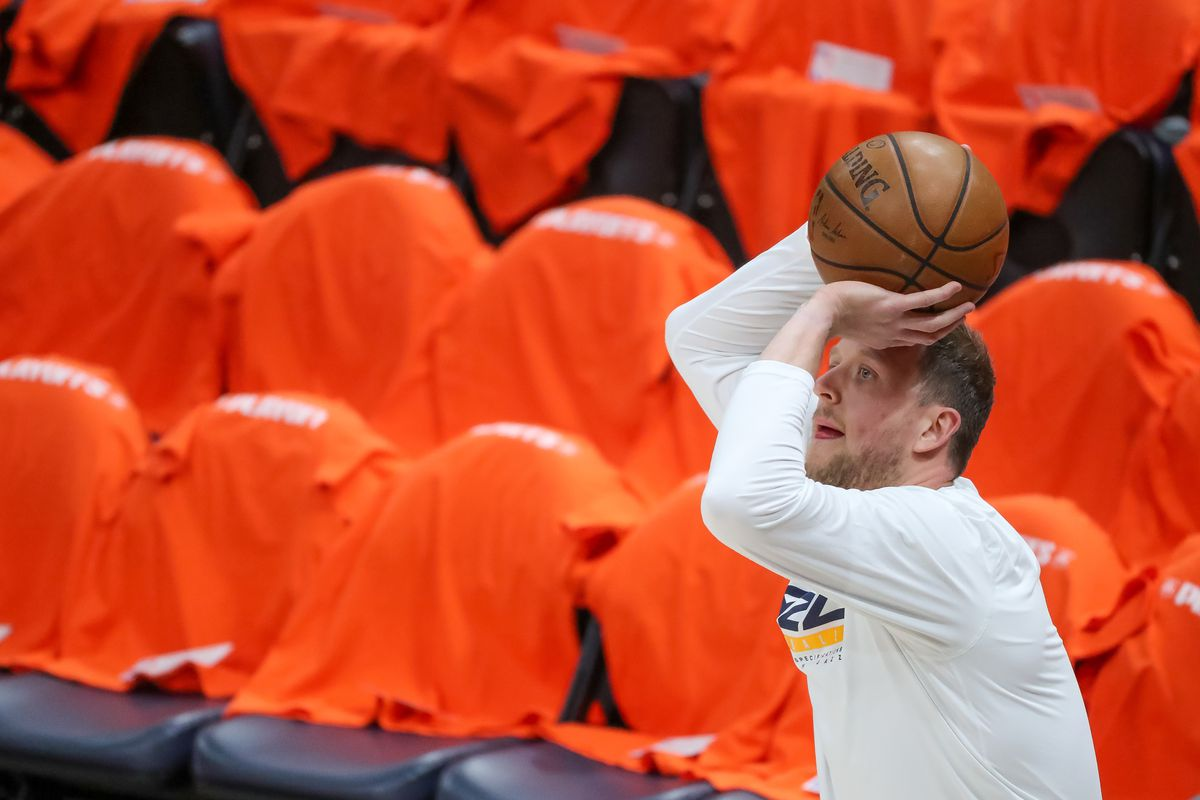 Utah Jazz guard Joe Ingles (2) warms up before playing the LA Clippers in Game 1 of the Western Conference semifinals