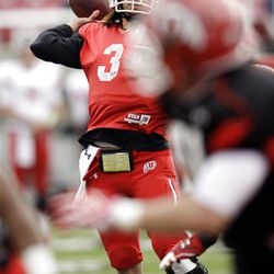 Utah Utes quarterback Jordan Wynn (3) completed seven passes for 149 yards and a score in Saturday's scrimmage.