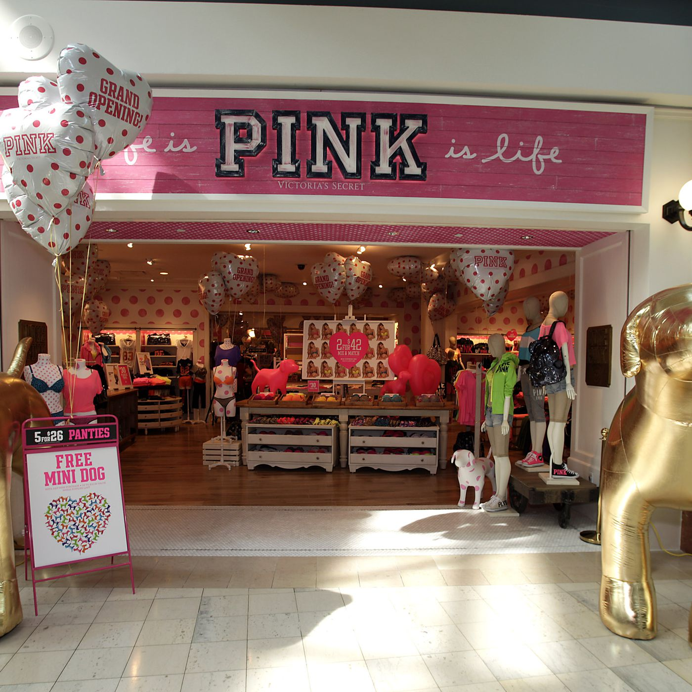 4679221099 Victorias secret pink opens las first all pink store at hollywood highland  JPG 1400x1400 Victorias secret