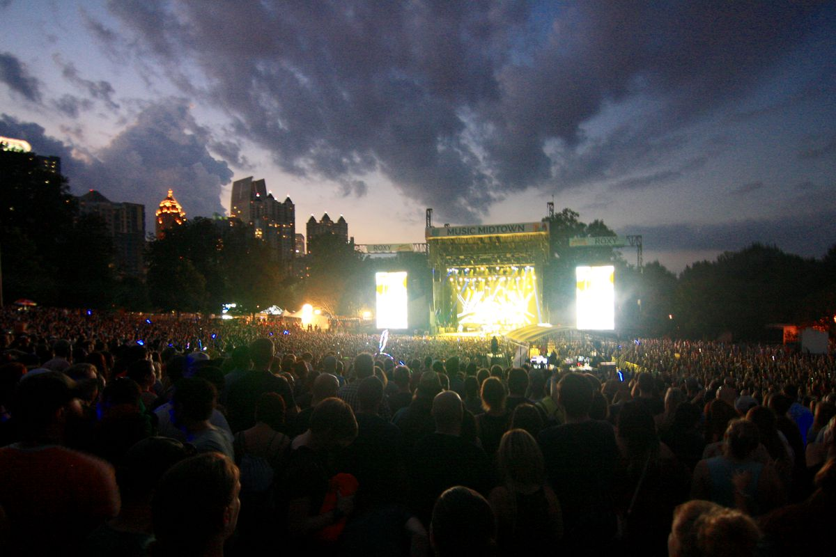 A fitting skyline backdrop at the Music Midtown Roxy stage.
