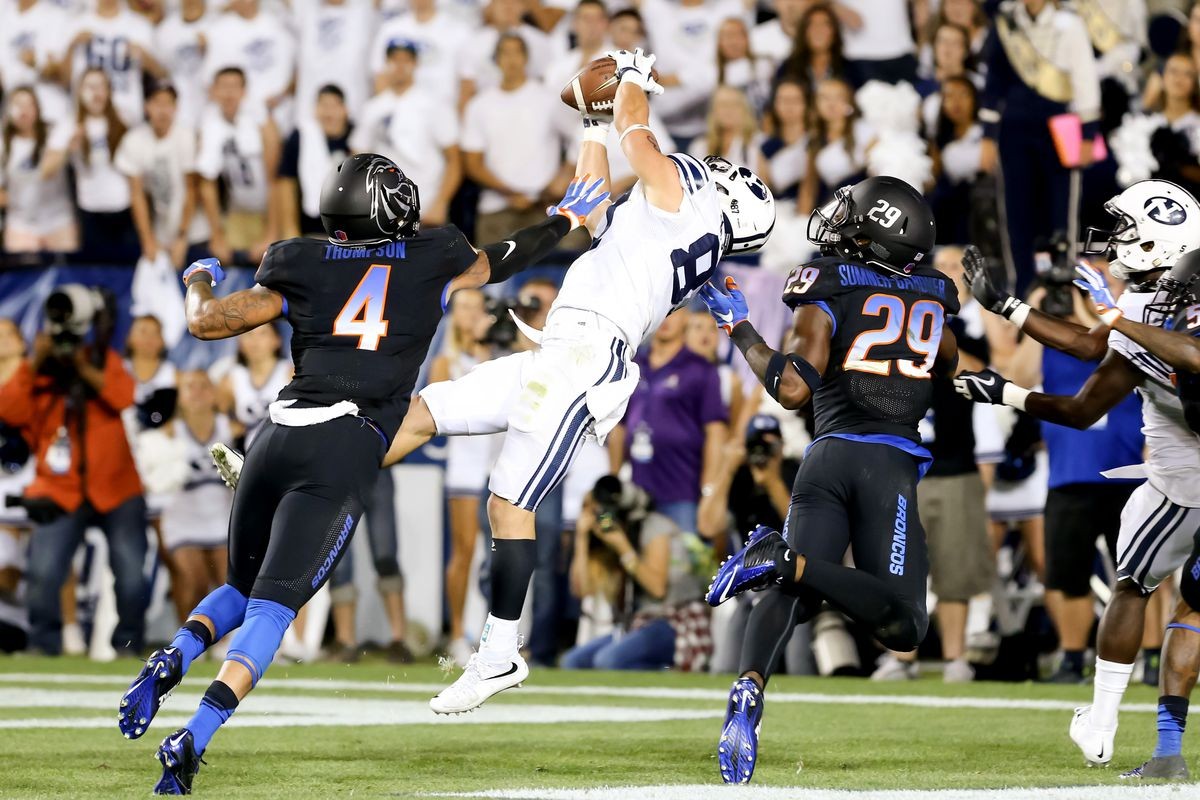 Mitchell Juergens grabs the winning touchdown against Boise State