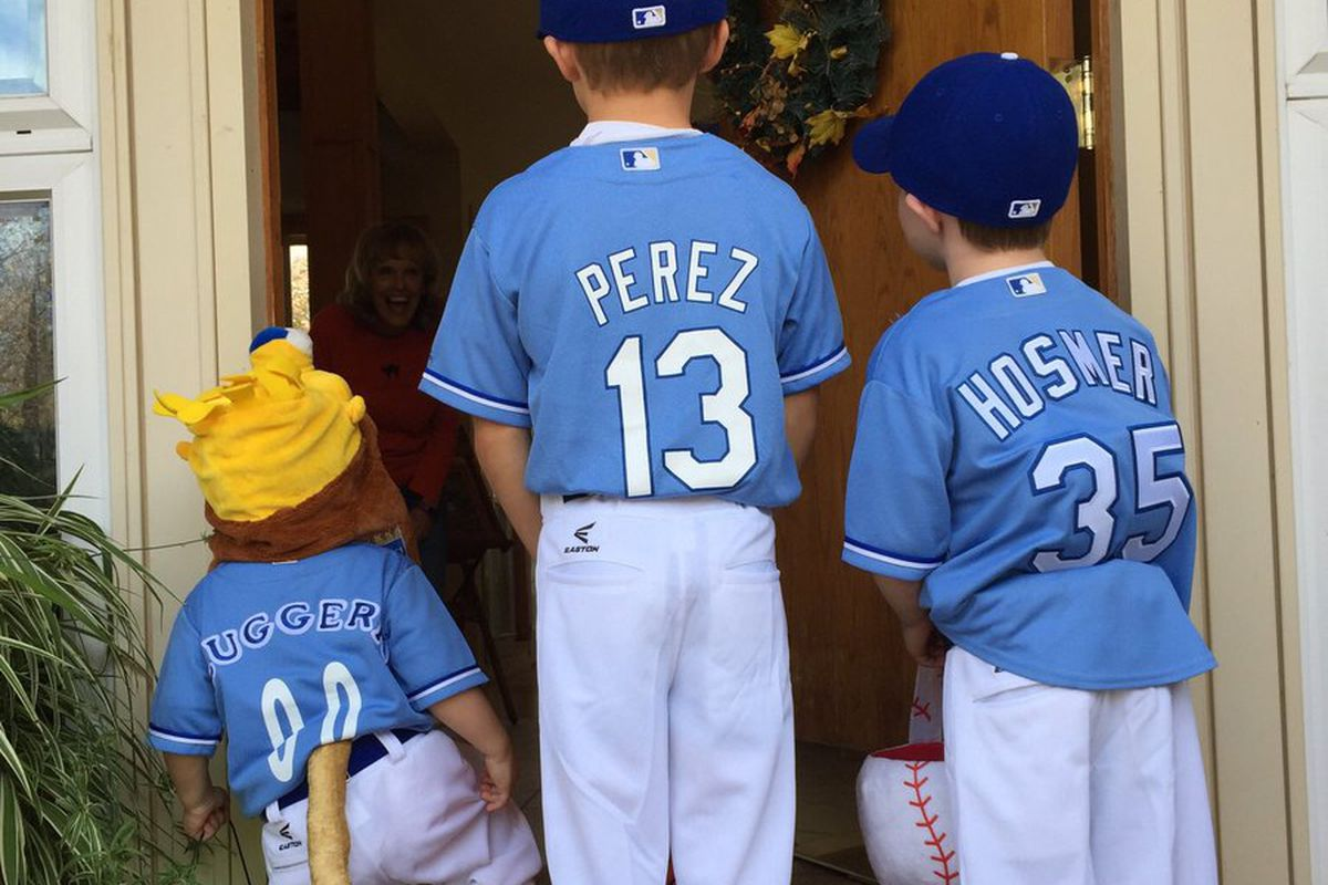 the best royals-related halloween costumes - royals review