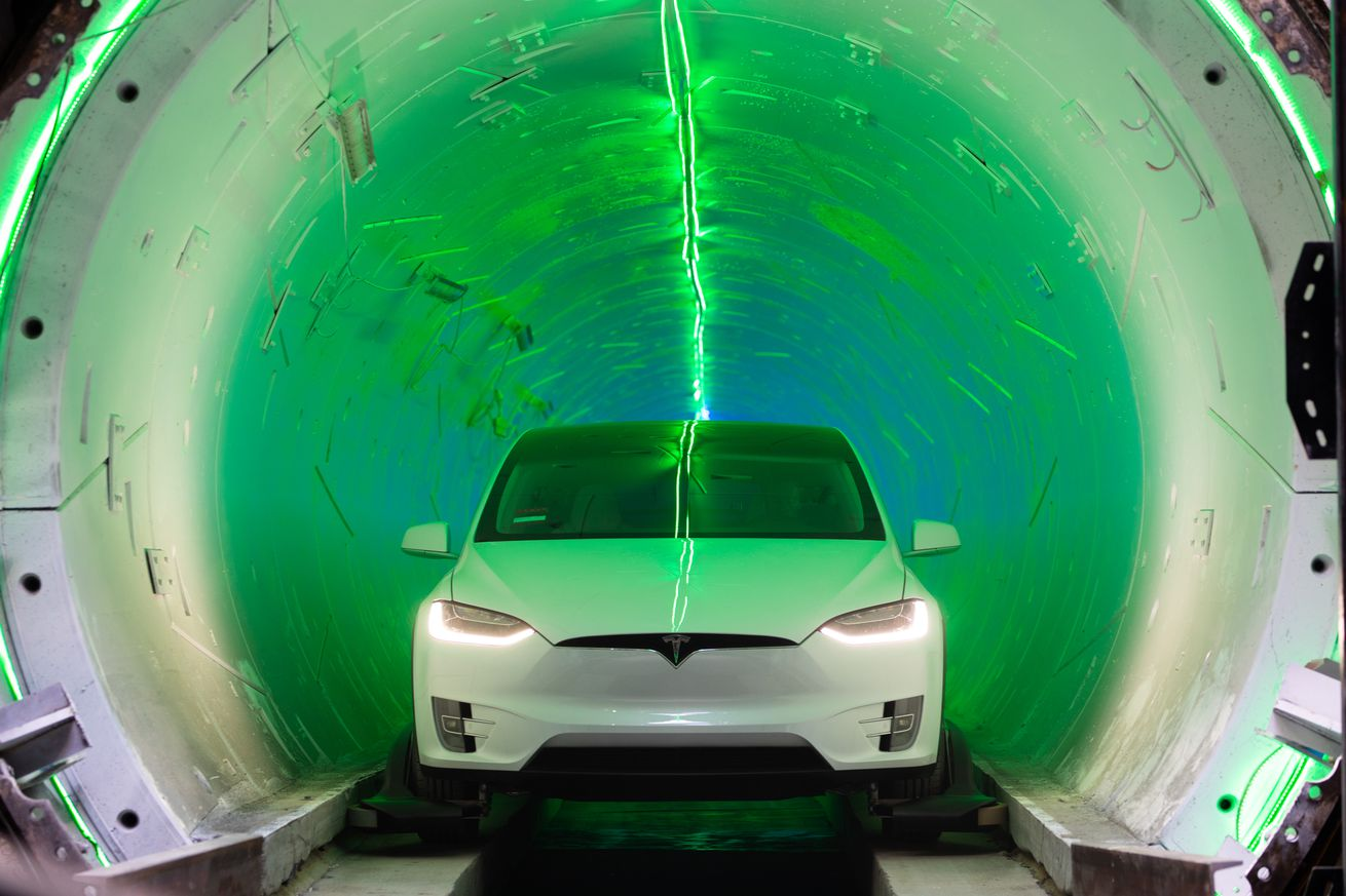 Miami mayor says Elon Musk will tunnel under the city for just  million