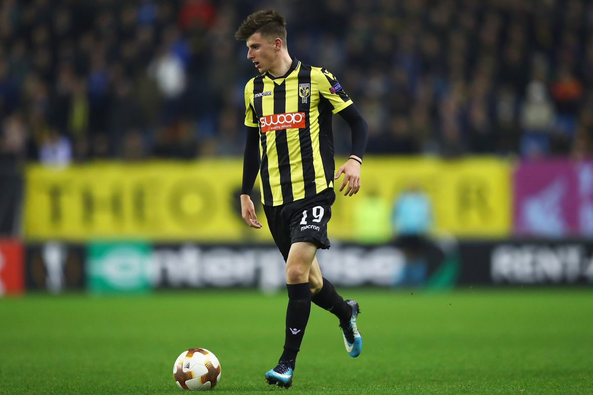 Mason Mount becomes third Chelsea loanee to win Vitesse Player of the Year  award - We Ain't Got No History