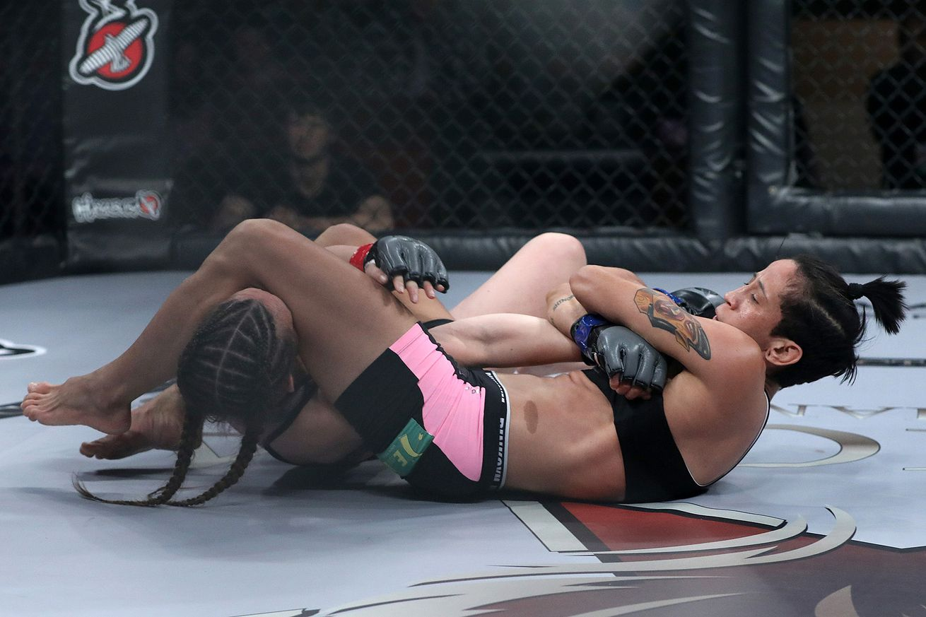 Virna Jandiroba is 13-0 in MMA with 10 submission victories.