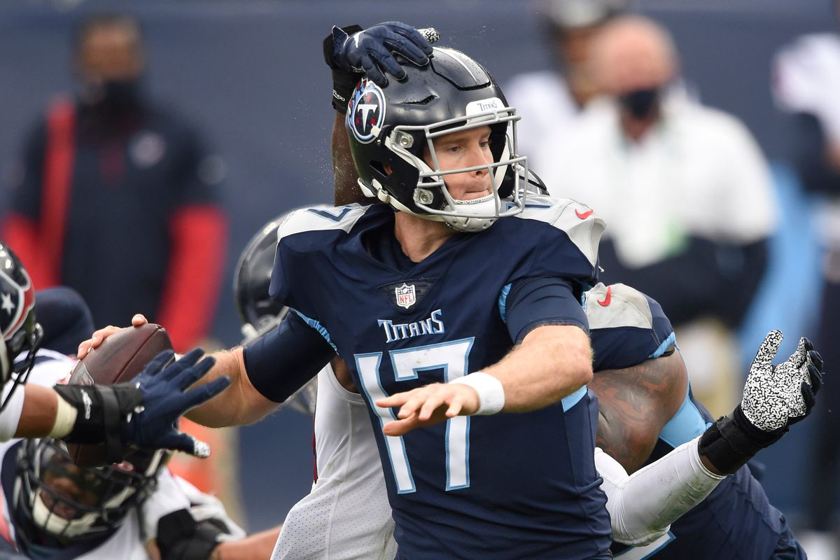 Ryan Tannehill fantasy football start/sit advice: What to do with the  Titans QB in Week 7 - DraftKings Nation