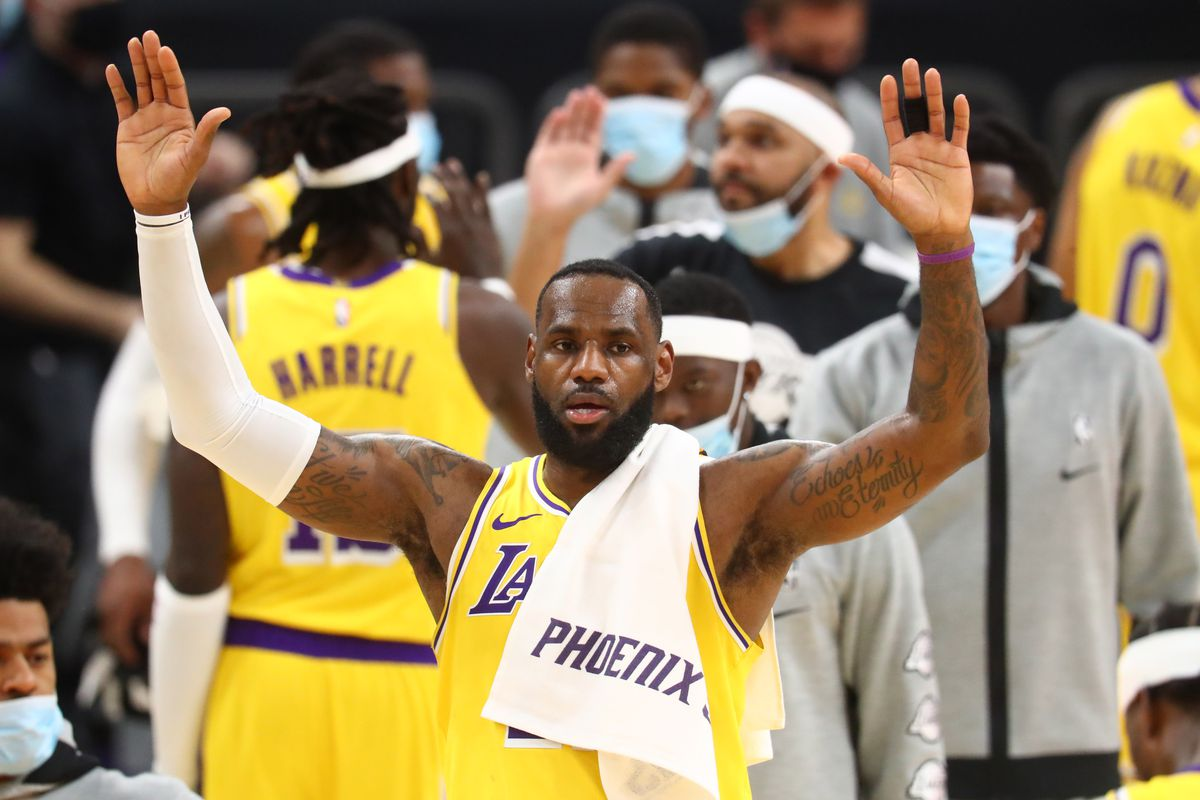 Lakers Ring Ceremony Watch 2020 Nba Champions Get Rings Presented By Families Draftkings Nation