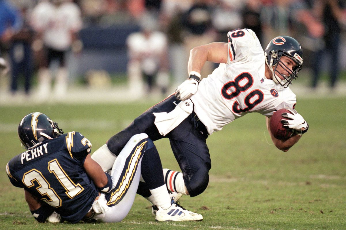 Wait, is that a color photo of Ditka playing? Nope, this time it's Ryan Wetnight wearing Ditka's #89... before it was retired, of course. Wetnight played for 7 seasons in Chicago during the 1990's.