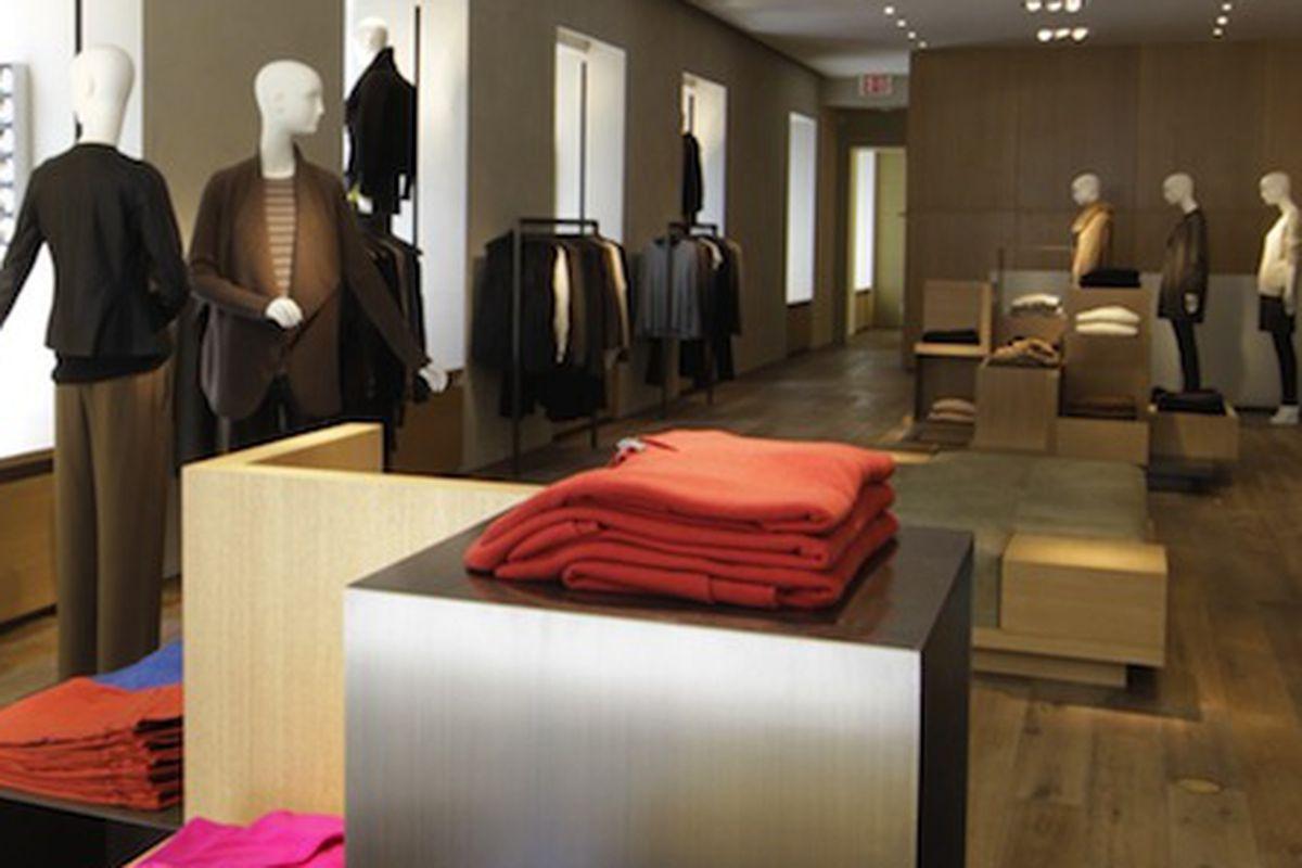 "Image via <a href=""http://www.wwd.com/retail-news/specialty-stores/vince-unfurls-madison-avenue-flagship-6137289"">WWD</a>"