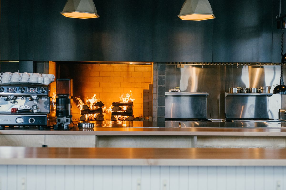 This kitchen knows how to brûlé, hints critic