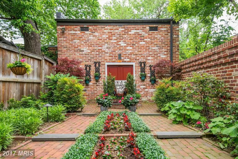 5 D.C. homes for sale with perfect, luscious gardens - Curbed DC