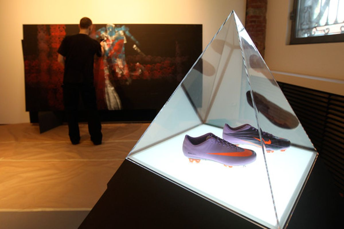 """Nike Stadium Milan via <a href=""""http://www.notcot.com/archives/2010/04/nike-stadium-by-superi.php"""">notcot</a>"""