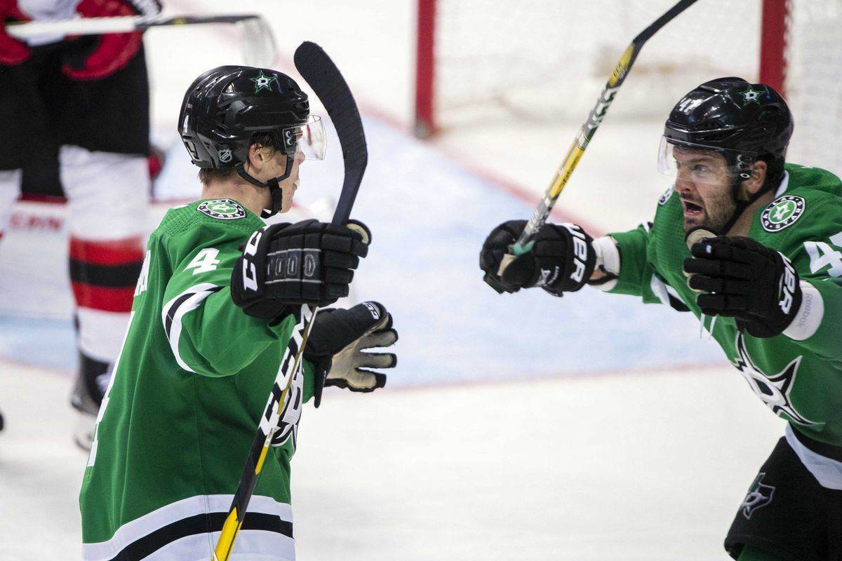 NHL: New Jersey Devils at Dallas Stars