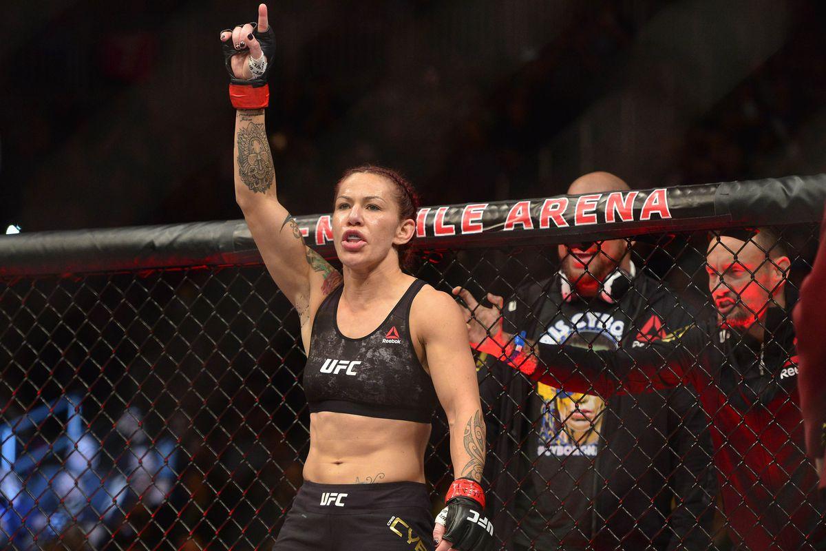 MMA: UFC 219-Cyborg vs Holm