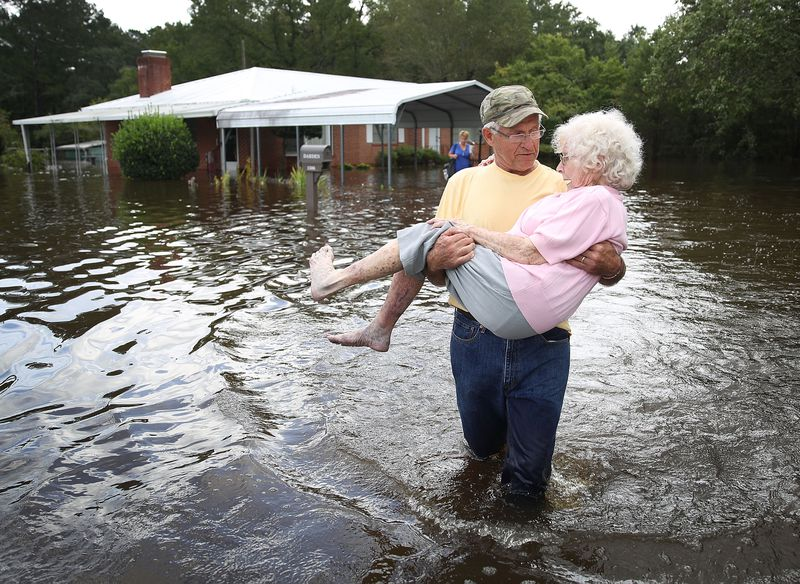 GettyImages_1034838512 Photos: what Hurricane Florence's destruction looks like on the ground