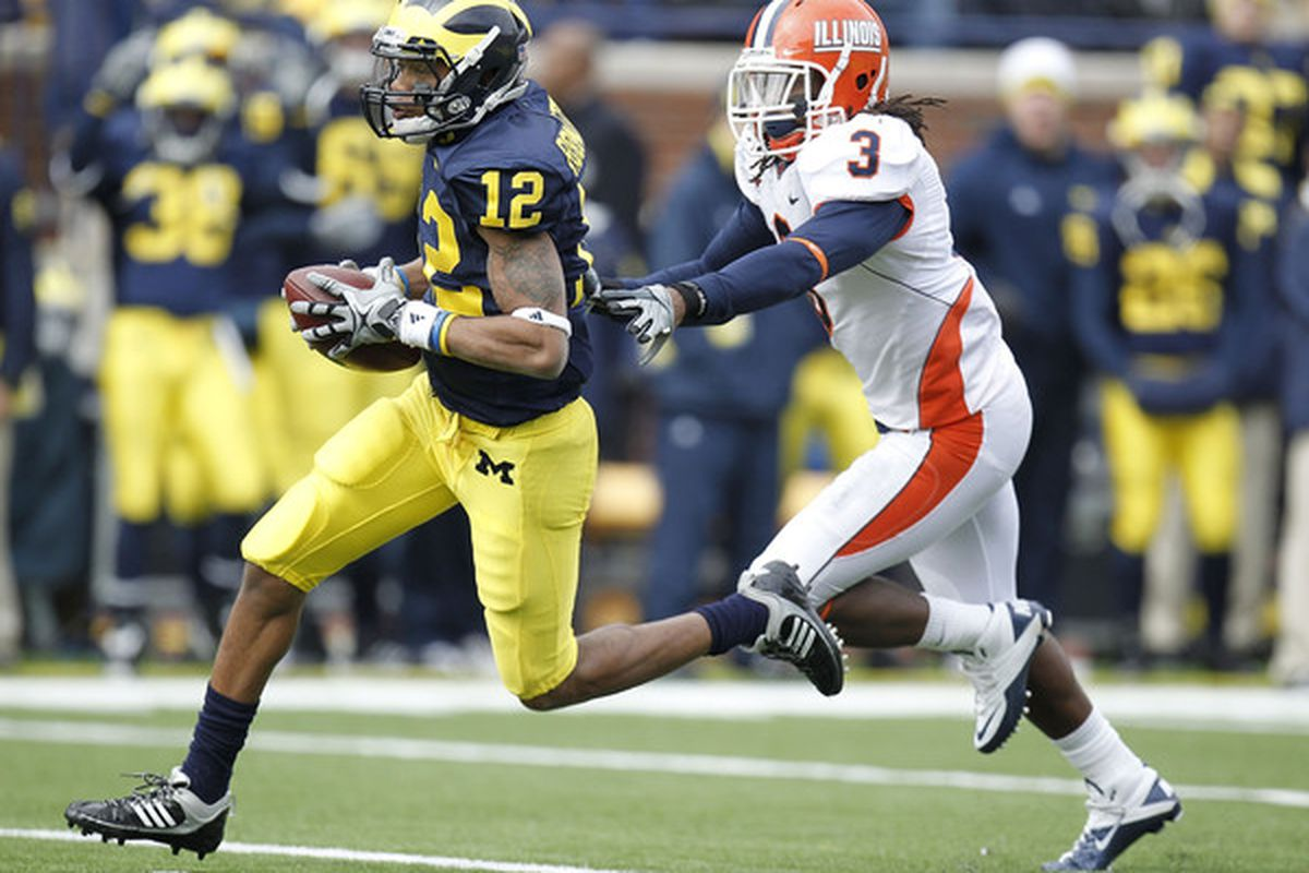 Hopefully Roy Roundtree can come close to replicating his form during the game against Illinois in 2010, when he set Michigan's All-Time single game receiving yardage record (Photo by Gregory Shamus/Getty Images).
