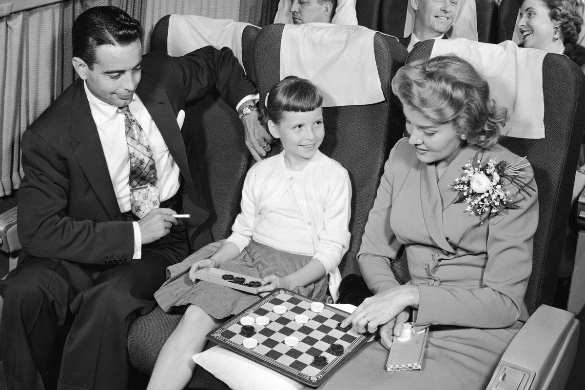 Pleased, non-vomiting passengers circa 1950