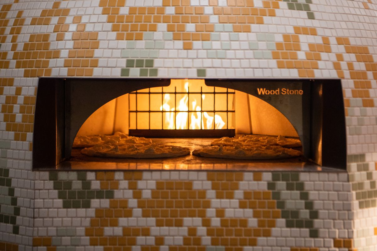 Pizza oven at Rosalie