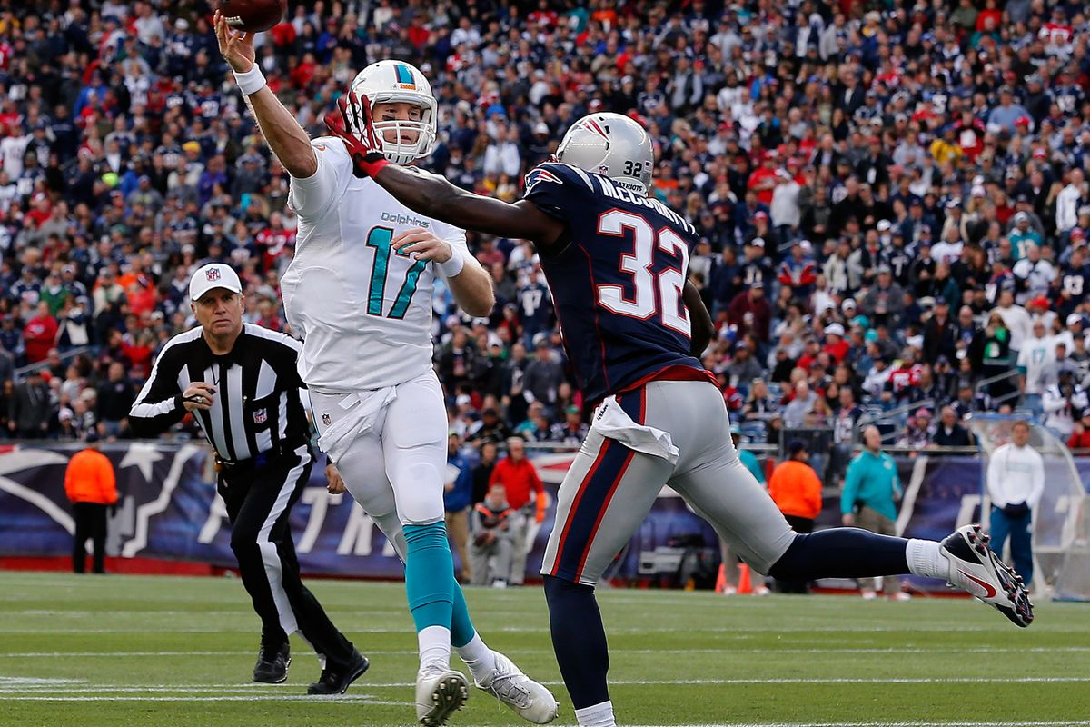 Patriots use teamwork on tipped interception - SBNation.com 9c8ecbaee