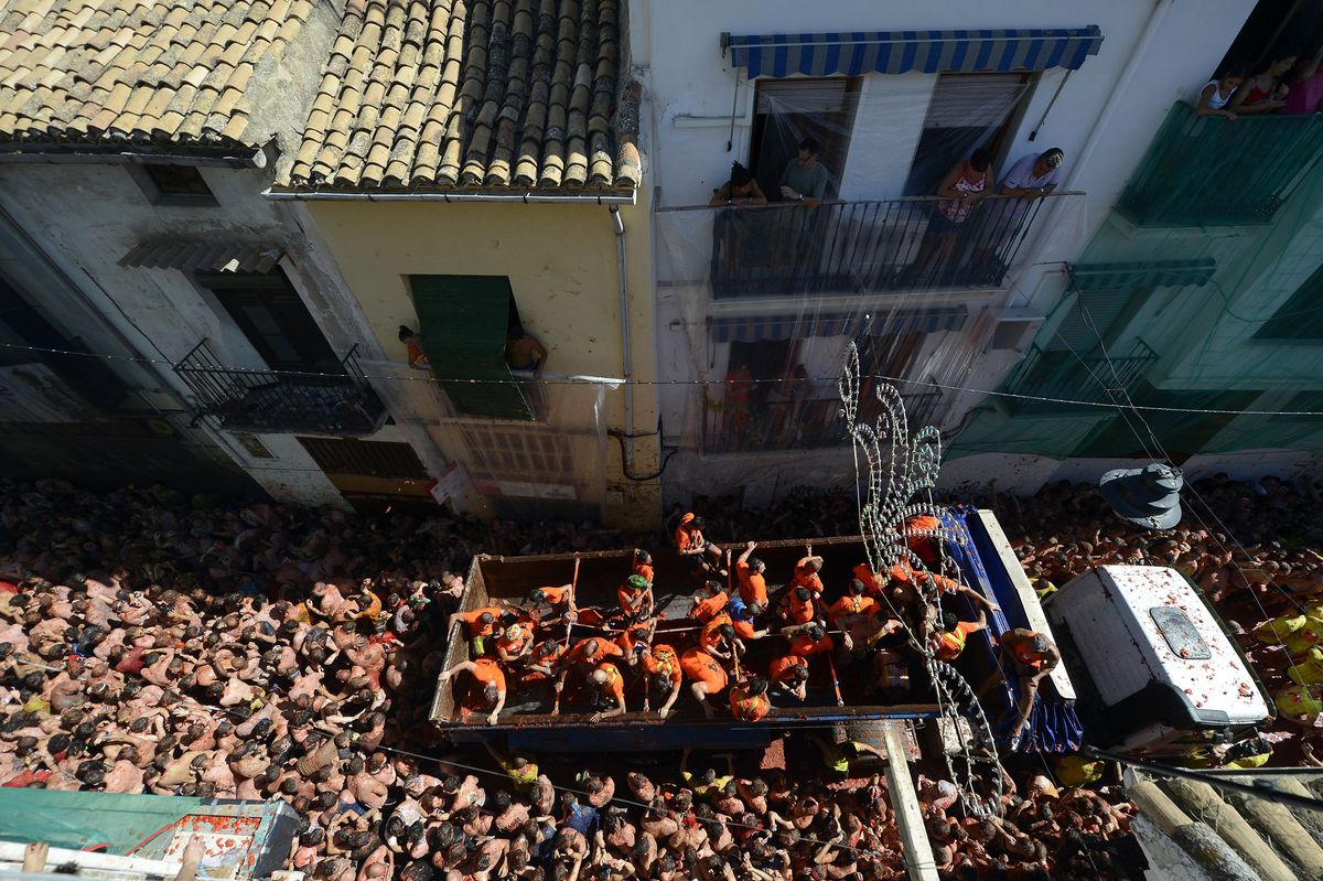 A packed La Tomatina crowd in 2014