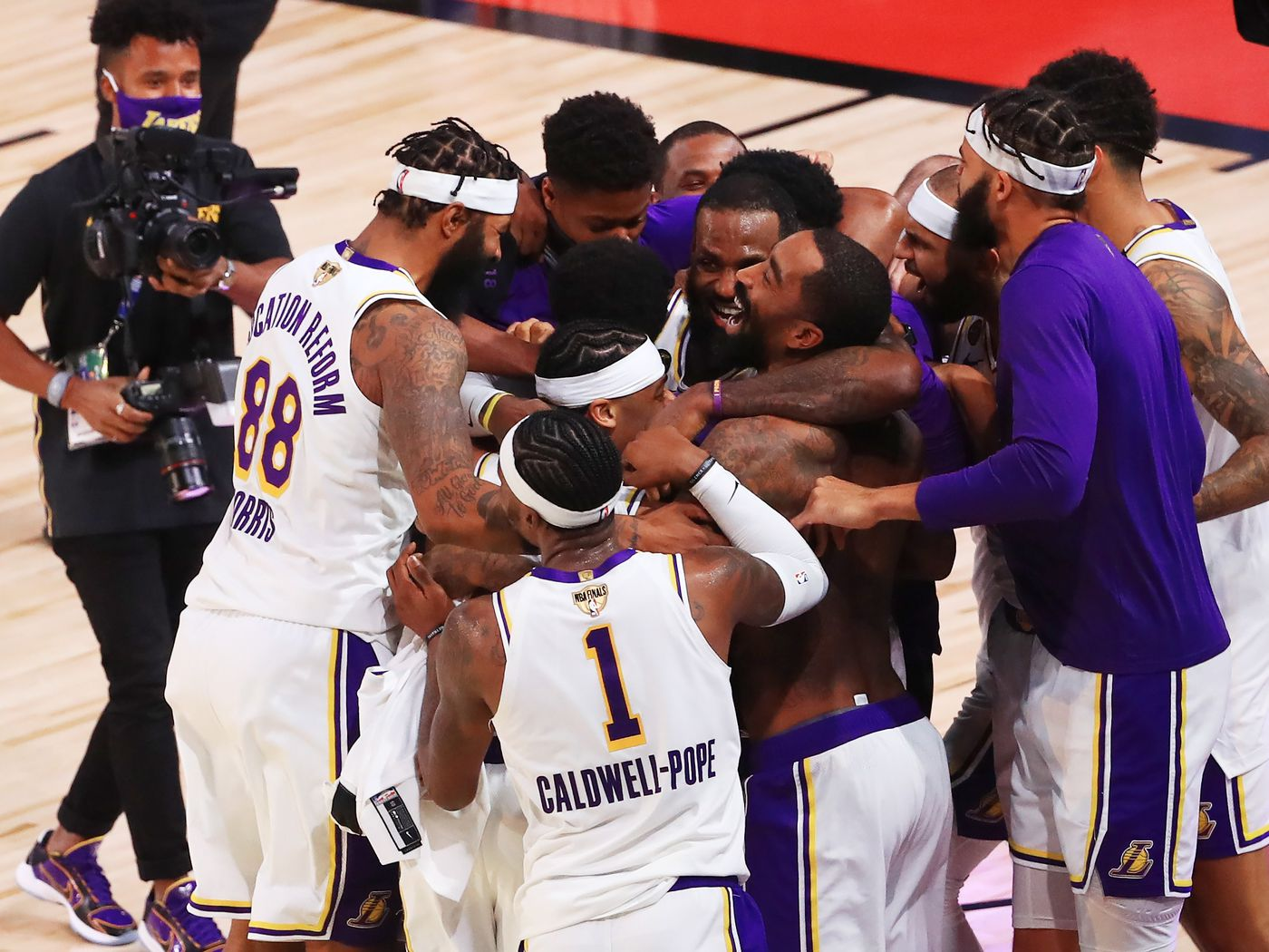 Is This Lakers Team The Best Roster Lebron James Has Ever Had Silver Screen And Roll