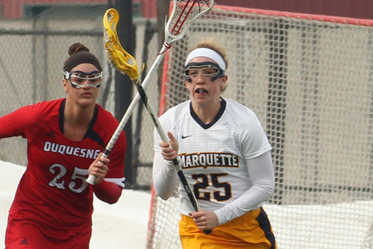 Elisabeth Goslee tied for a game high with four ground balls against Temple.