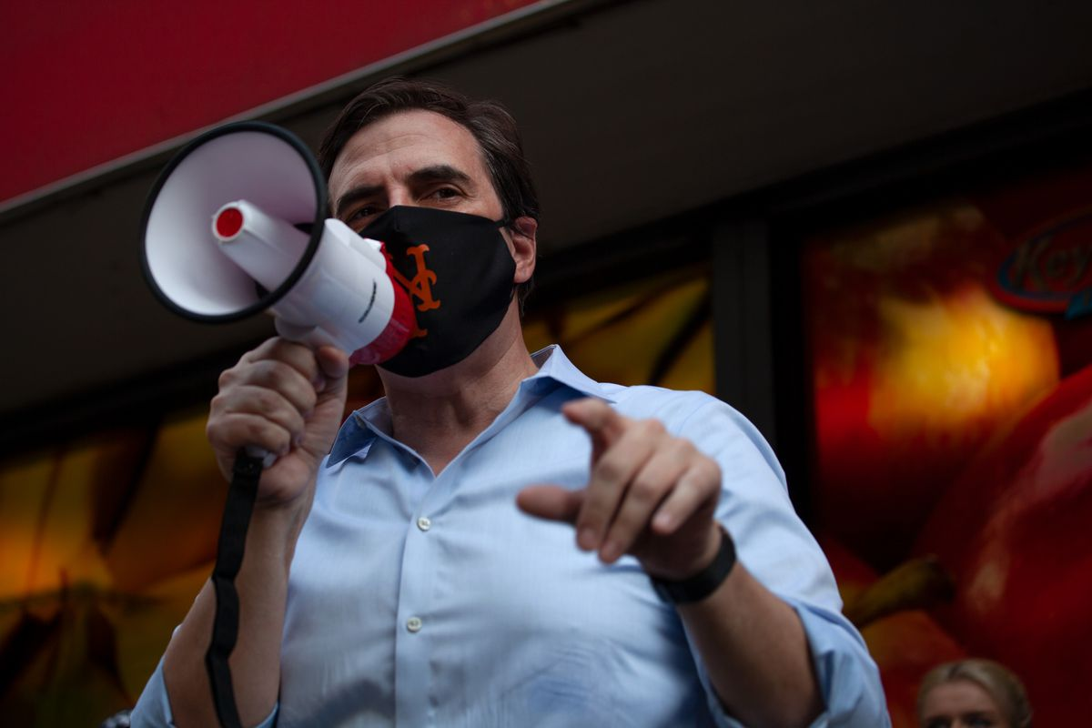 Sate Sen. Michael Gianaris speaks at a rally to save an Astoria, Queens Key Foods, Aug. 27, 2020.